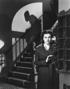 night-train-to-munich-1940-001-margaret-lockwood-phone-00n-9ke