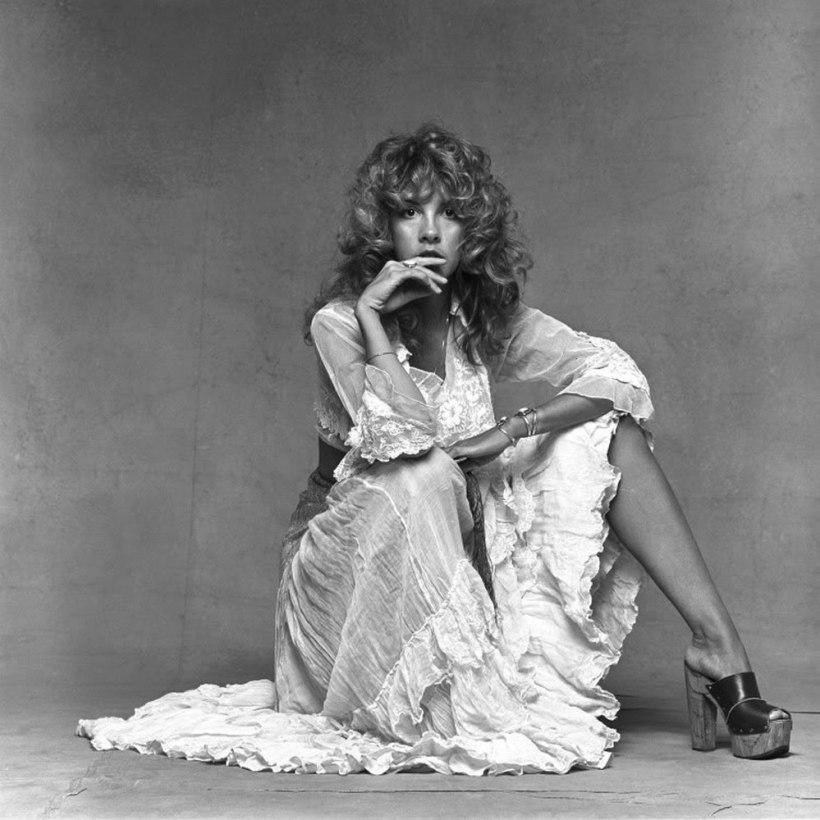 Stevie-Nicks-Feet-201203