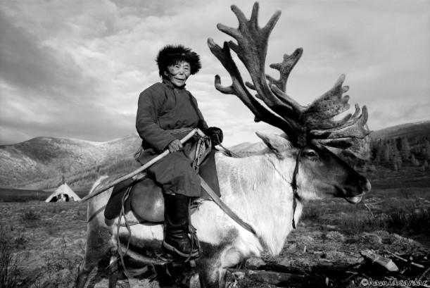 Tsuyanqua-Tsaatan-Shaman-Bor-Haik-Hovsgol-2000-copy