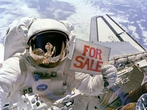 astronaut-with-for-sale-sign