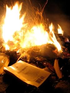 Book_burning_(4)