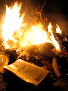 Book_burning_(4)