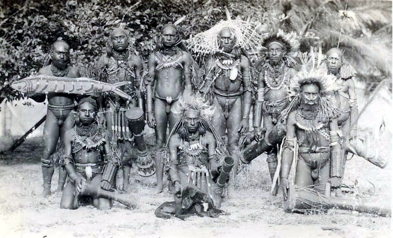 Marind-Anim_men_dressed_for_ceremony,_south_coast_Dutch_New_Guinea