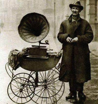 street gramophone