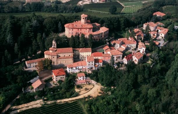Paesaggio del  Comune di  Calamandrana (AT).