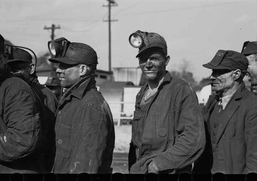 Coal-miners-Birmingham-Alabama3-1937-Rothstein-e1416177549889