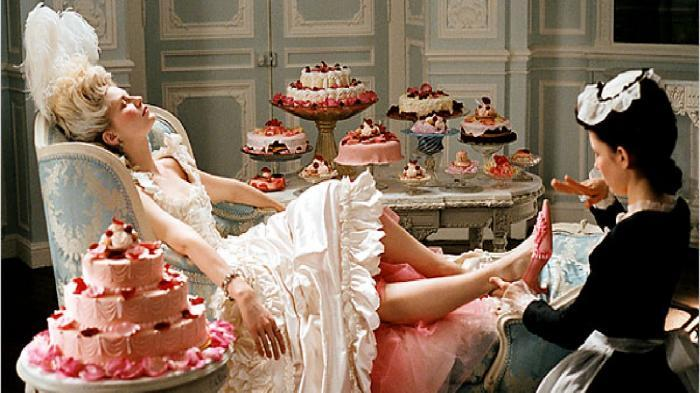 Marie-Antoinette_Sofia-Coppola_candy-sweet-macarons-cakes