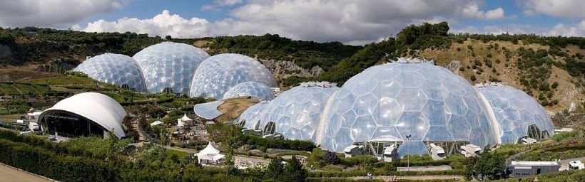 Eden_Project_geodesic_domes_panorama